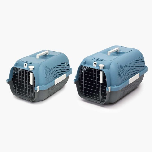 The Catit Cat Carrier is available in 2 sizes